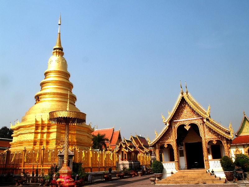 golden temple bangkok
